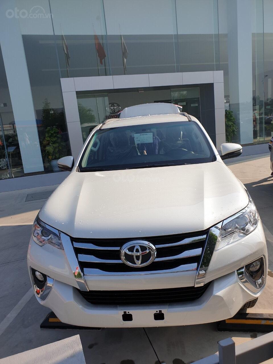 Toyota Fortuner 2.4 AT 2020 - chỉ tiêu duy nhất 3 xe - giá sập sàn (7)
