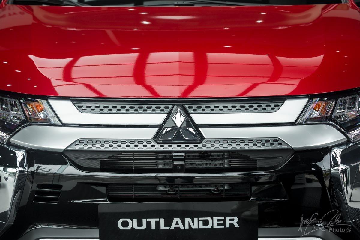 Ảnh chụp Camera trước xe Mitsubishi Outlander 2020