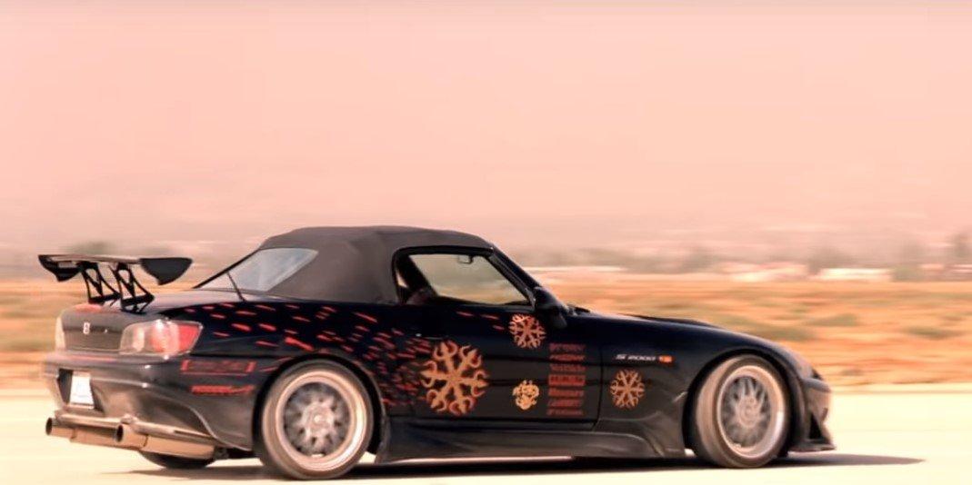 Honda S2000 xuất hiện trong phân cảnh tốc độ trong The Fast and Furious (2001) 1