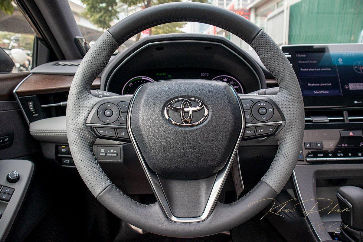 Ảnh chụp vô-lăng xe Toyota Avalon 2020