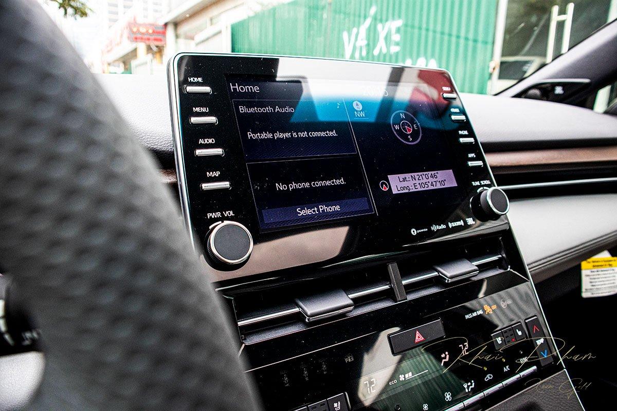 Ảnh chụp Màn hình trung tâm xe Toyota Avalon 2020