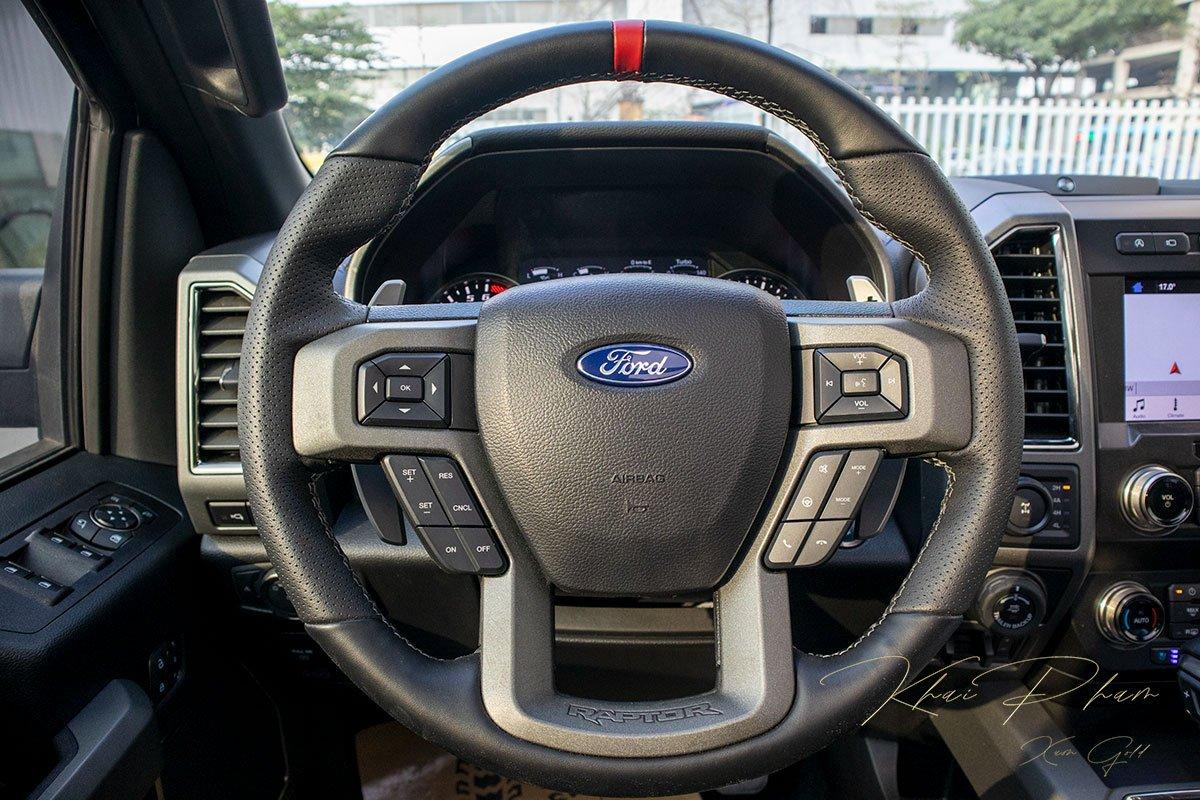 Ảnh chụp VÔ-LĂNG xe Ford F-150 Raptor Black Edition 2020