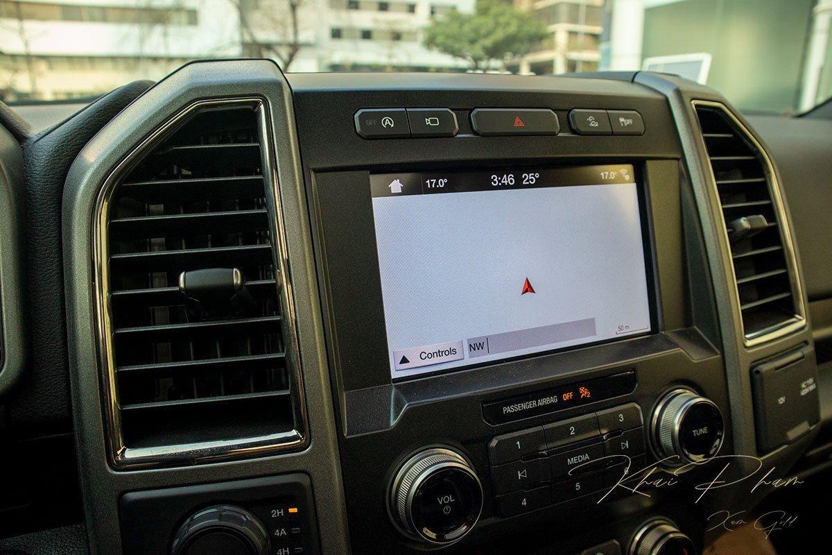 Ảnh chụp màn hình xe Ford F-150 Raptor Black Edition 2020