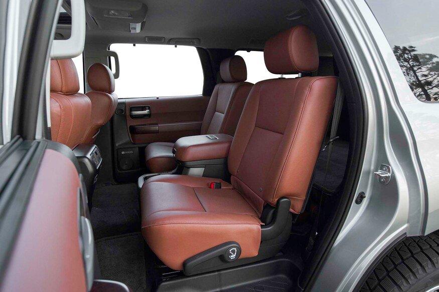 10 mẫu SUV ghế gập siêu rộng - Toyota Sequoia 2020.