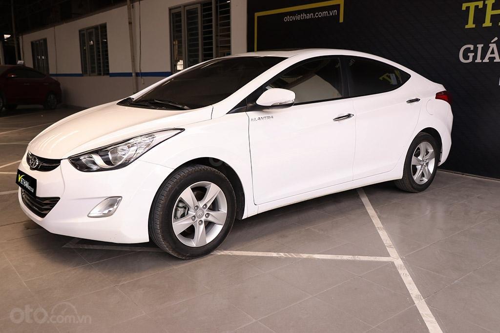 Hyundai Elantra 1.8AT 2013, xe nhập khẩu nguyên chiếc (1)
