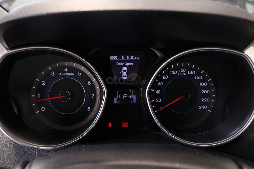Hyundai Elantra 1.8AT 2013, xe nhập khẩu nguyên chiếc (8)
