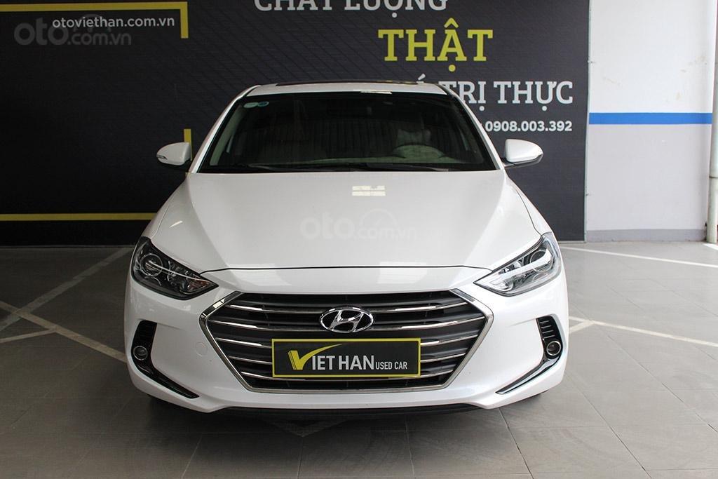 Hyundai Elantra 1.6AT 2018, xe màu trắng cực đẹp (4)