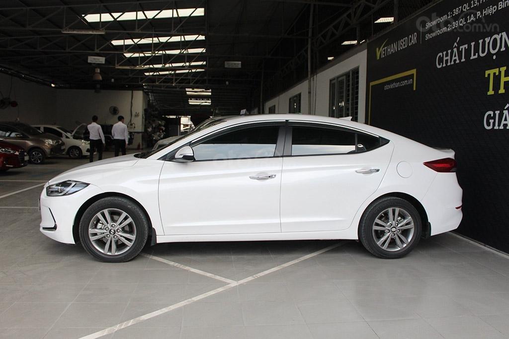 Hyundai Elantra 1.6AT 2018, xe màu trắng cực đẹp (5)