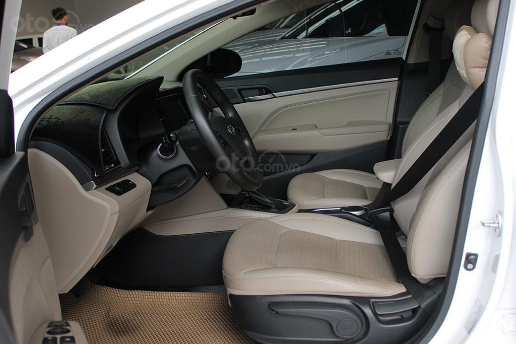 Hyundai Elantra 1.6AT 2018, xe màu trắng cực đẹp (7)