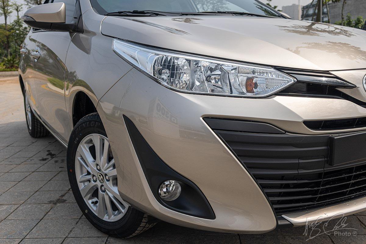Đánh giá xe Toyota Vios 2020 phiên bản 1.5E MT: Đèn sương mù được bổ sung.