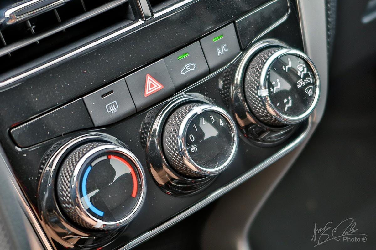 Đánh giá xe Toyota Vios 2020 phiên bản 1.5E MT: Hệ thống điều hoà 1 vùng chỉnh cơ.