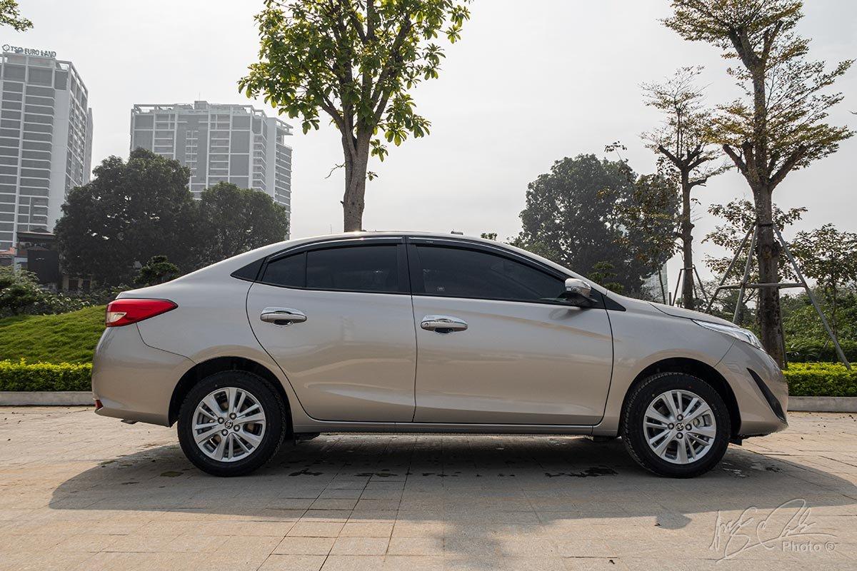 Đánh giá xe Toyota Vios 2020 phiên bản 1.5E MT: Thiết kế thân xe.