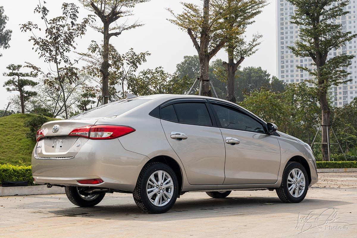Đánh giá xe Toyota Vios 2020 phiên bản 1.5E MT: Có thêm phiên bản rút gọn 3 túi khí.