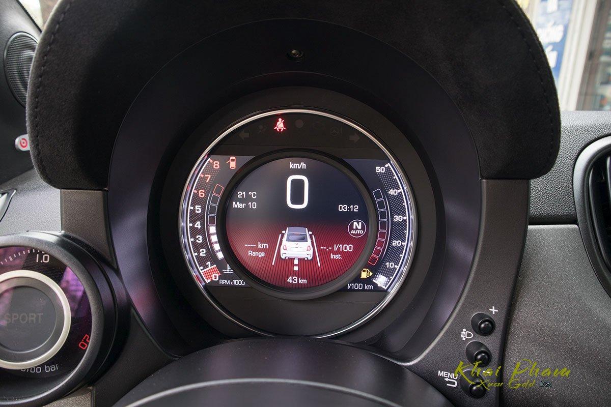 Ảnh đồng hồ xe Fiat 500 595 Abarth Esseesse 2020 đầu tiên về Việt Nam