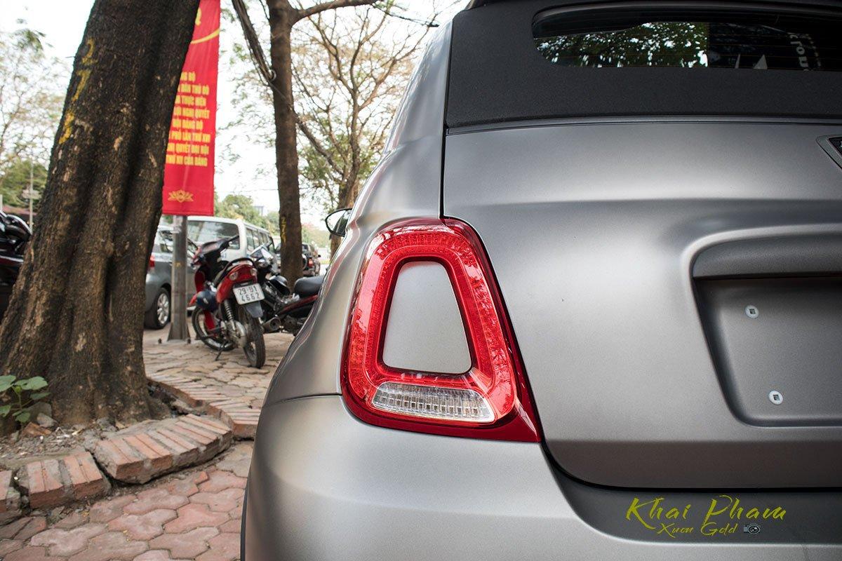 Ảnh chụp đèn hậu xe Fiat 500 595 Abarth Esseesse 2020 đầu tiên về Việt Nam