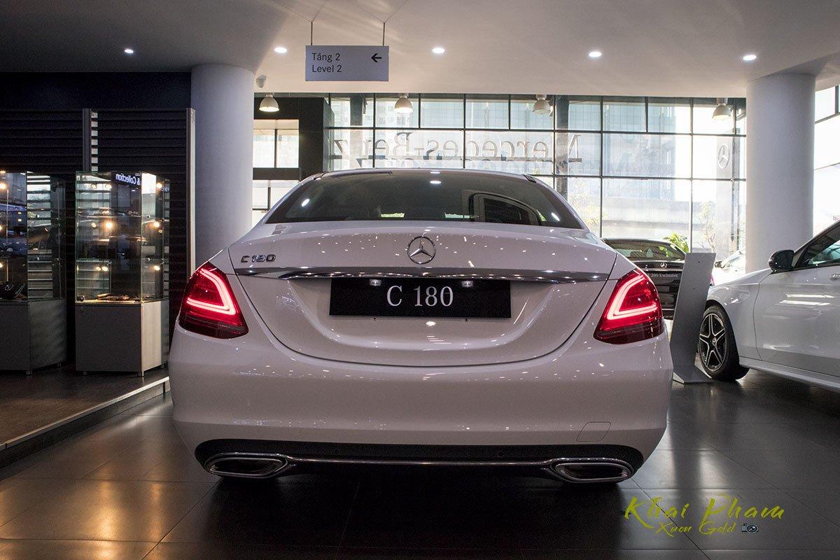 Ảnh chụp Đuôi xe Mercedes-Benz C 180 2020 1