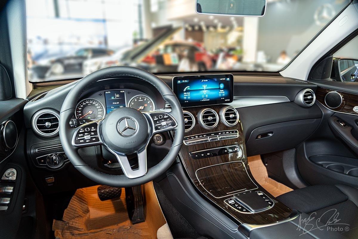 Đánh giá xe Mercedes-Benz GLC 200 2020: Nội thất không có nhiều khác biệt về thiết kế.