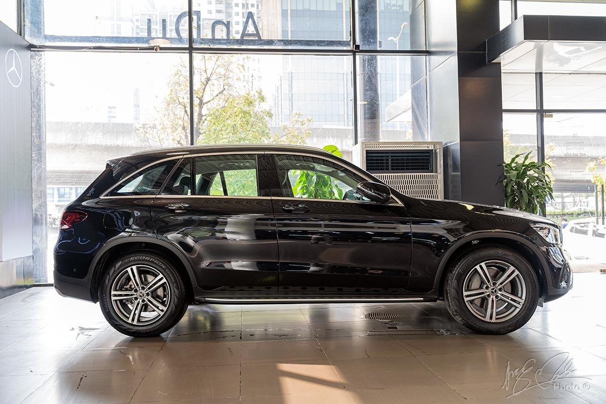 Đánh giá xe Mercedes-Benz GLC 200 2020: Thiết kế thân xe.