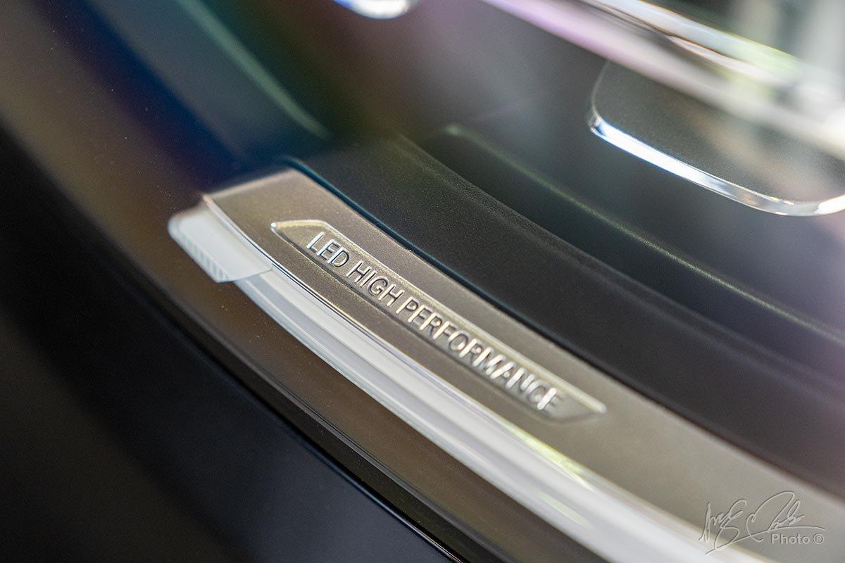 Đánh giá xe Mercedes-Benz GLC 200 2020: Hệ thống đèn Full LED hiệu suất cao.