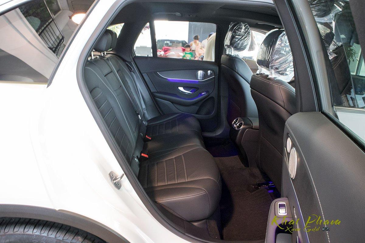 Hình ảnh ghế sau xe Mercedes-Benz GLC 300 4Matic 2020