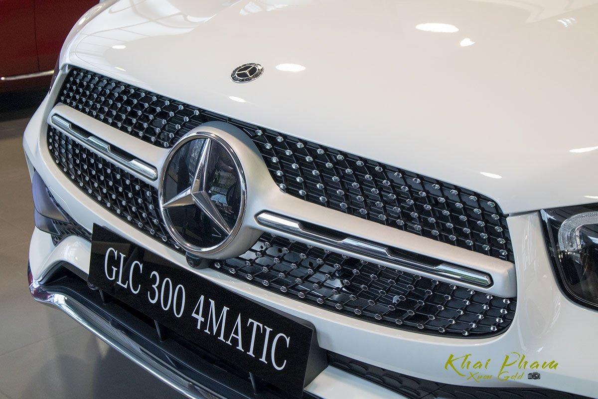 Hình ảnh lưới tản nhiệt xe Mercedes-Benz GLC 300 4Matic 2020