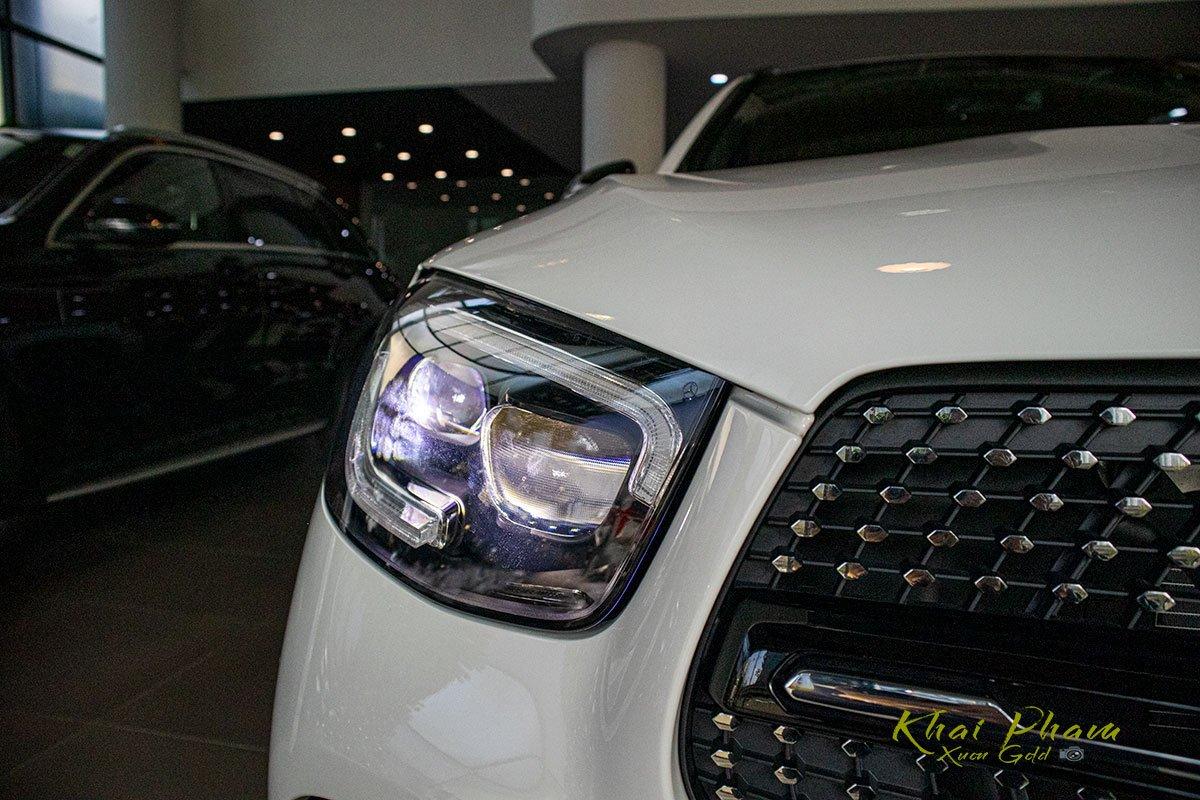 Hình ảnh đèn pha xe Mercedes-Benz GLC 300 4Matic 2020