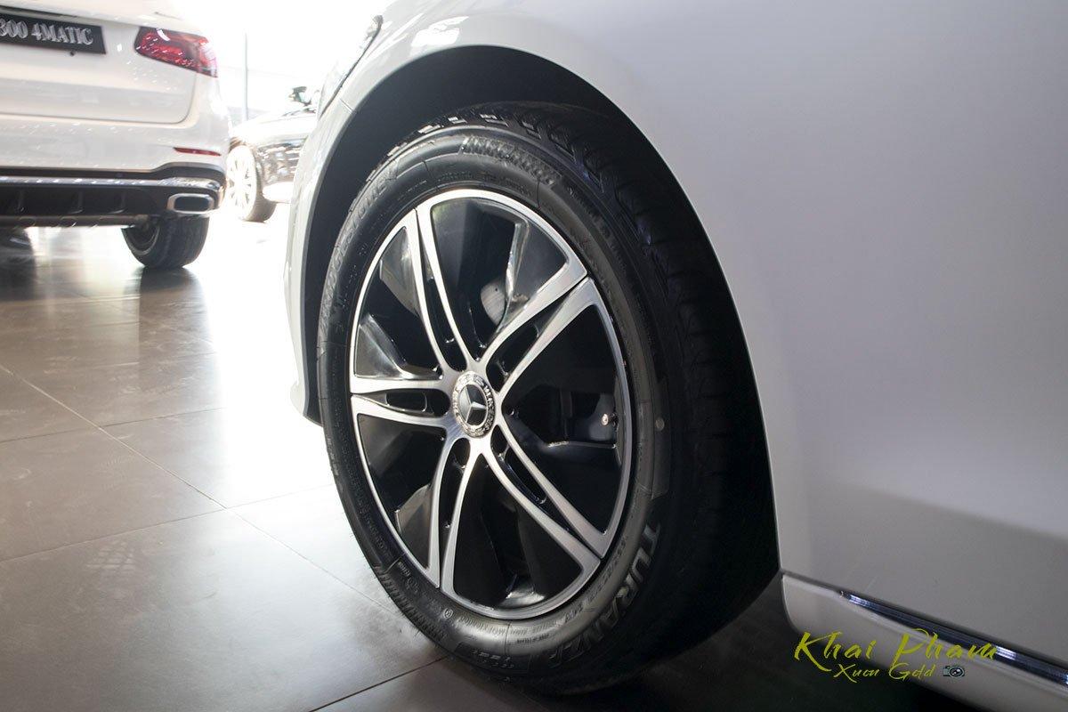 Ảnh chụp mâm xe Mercedes-Benz C 180 2020