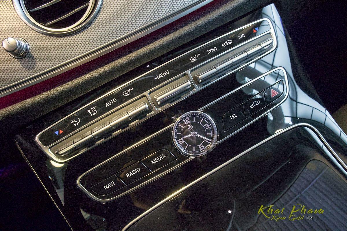 Ảnh chụp điều hoà xe Mercedes-Benz E 180 2020