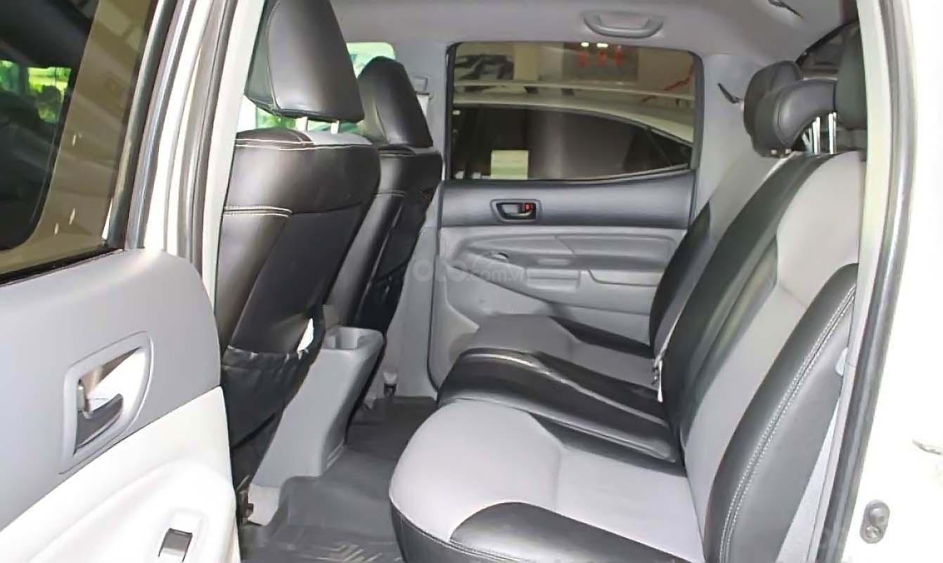 Cần bán xe Toyota Tacoma 4.0L 4x4 AT năm sản xuất 2009, màu trắng, nhập khẩu còn mới, giá chỉ 880 triệu (4)