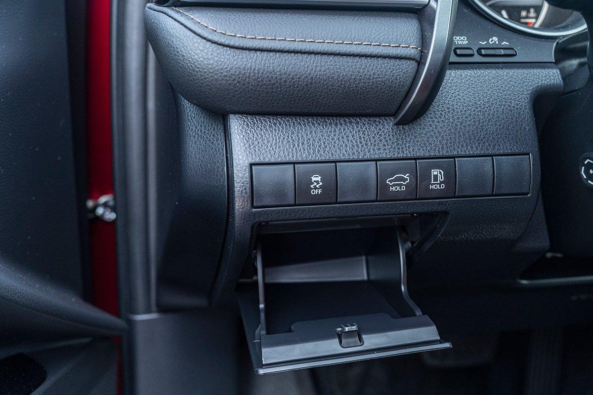 Ảnh chụp điều khiển xe Toyota Camry 2020