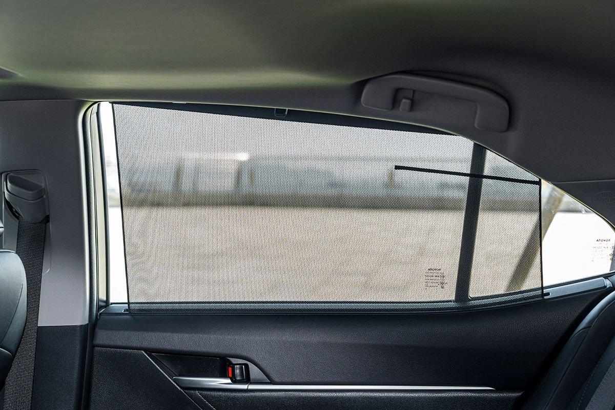 Ảnh chụp rèm che nắng xe Toyota Camry 2020