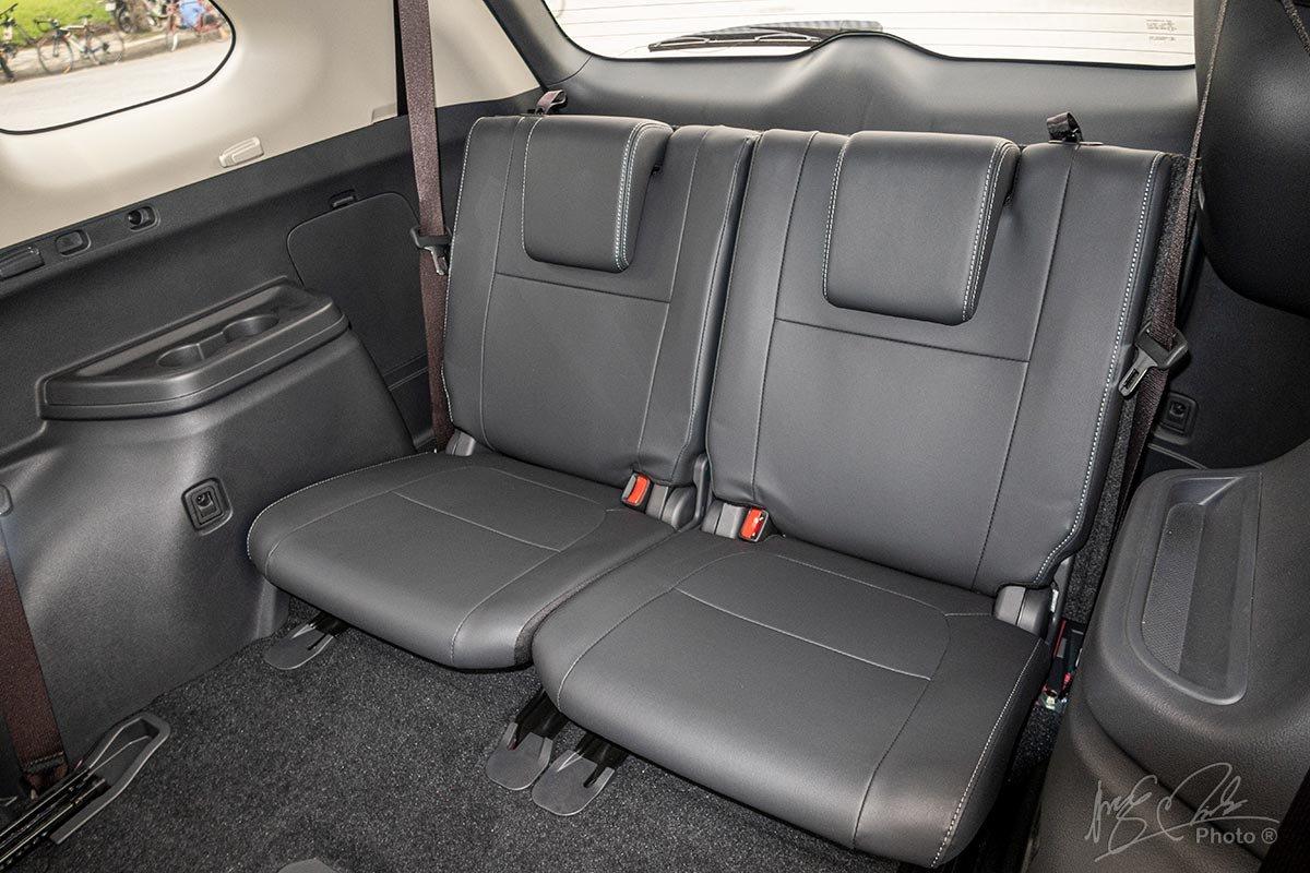 Đánh giá xe Mitsubishi Outlander 2.0 CVT Premium 2020: Hàng ghế thứ 3.