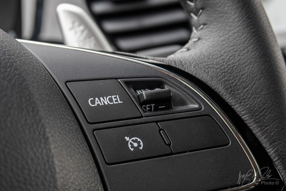 Đánh giá xe Mitsubishi Outlander 2.0 CVT Premium 2020: Kiểm soát hành trình.