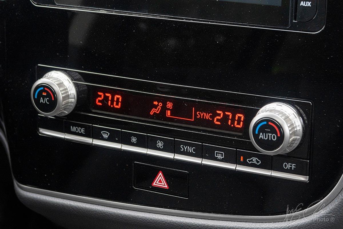 Đánh giá xe Mitsubishi Outlander 2.0 CVT Premium 2020: Khu vực điều hoà đã được thiết kế mới.