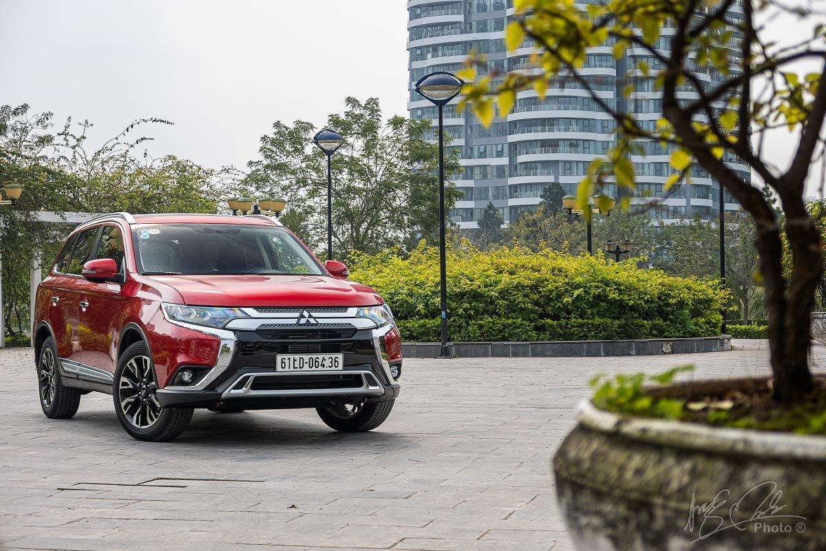 Đánh giá xe Mitsubishi Outlander 2.0 CVT Premium 2020: Một sự lựa chọn tốt.
