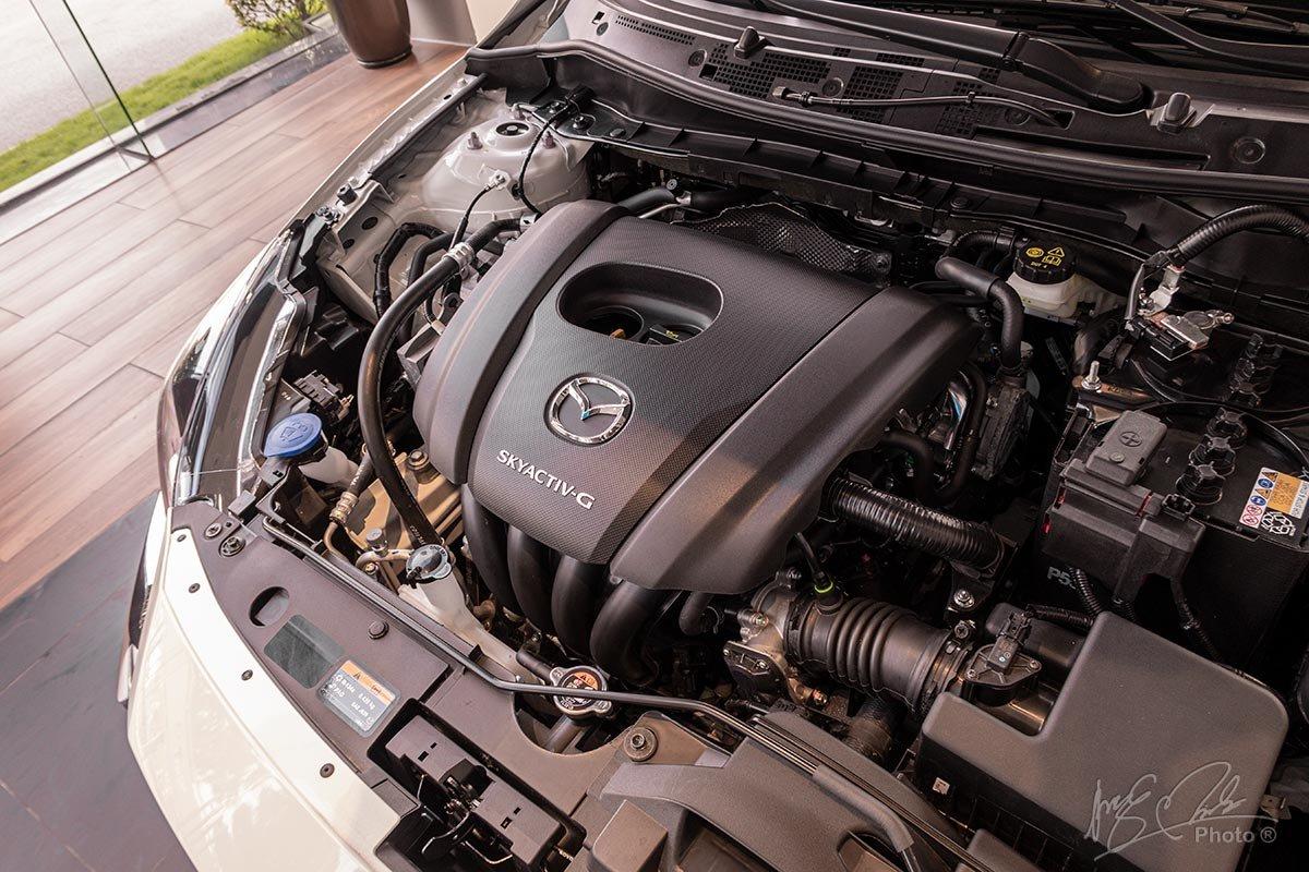 Ảnh chụp động cơ xe Mazda 2 2020