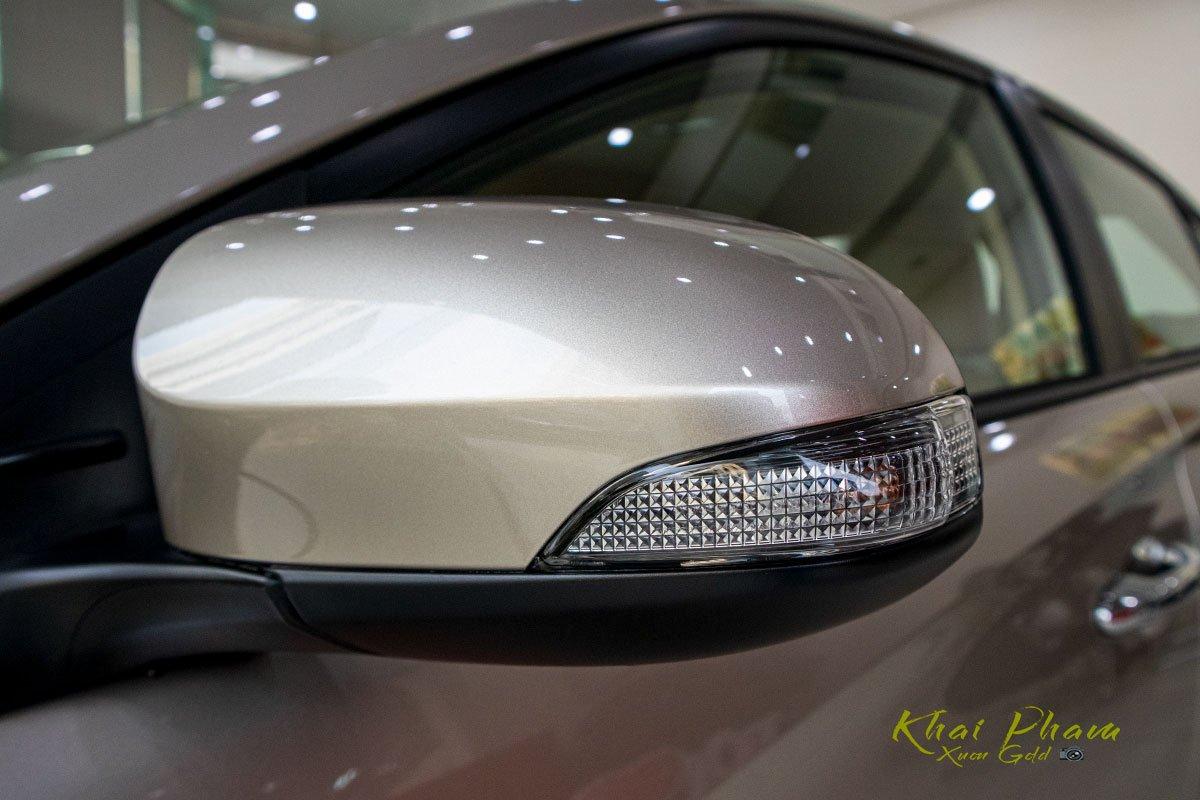 Ảnh chụp gương xe Toyota Vios 2020