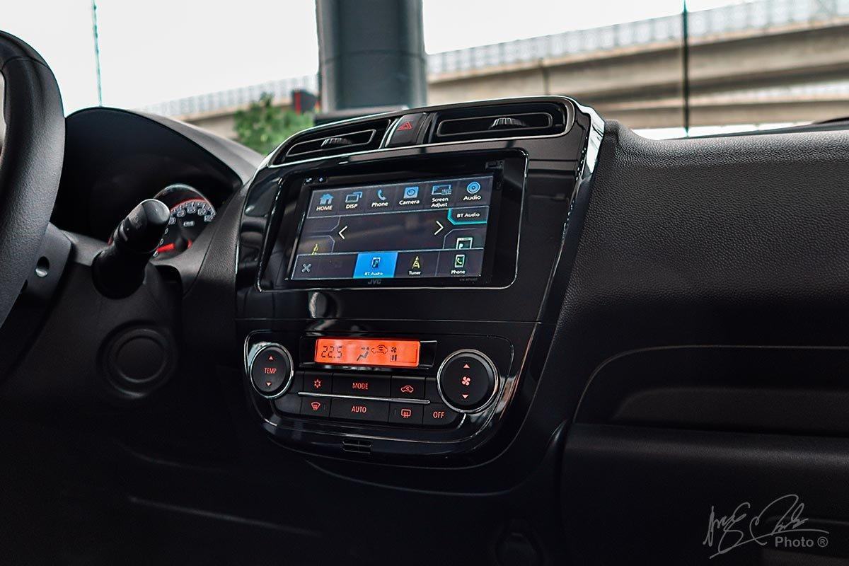 Màn hình cảm ứng 7 inch trên Mitsubishi Attrage 2020 được tích hợp Android Auto và Apple CarPlay.