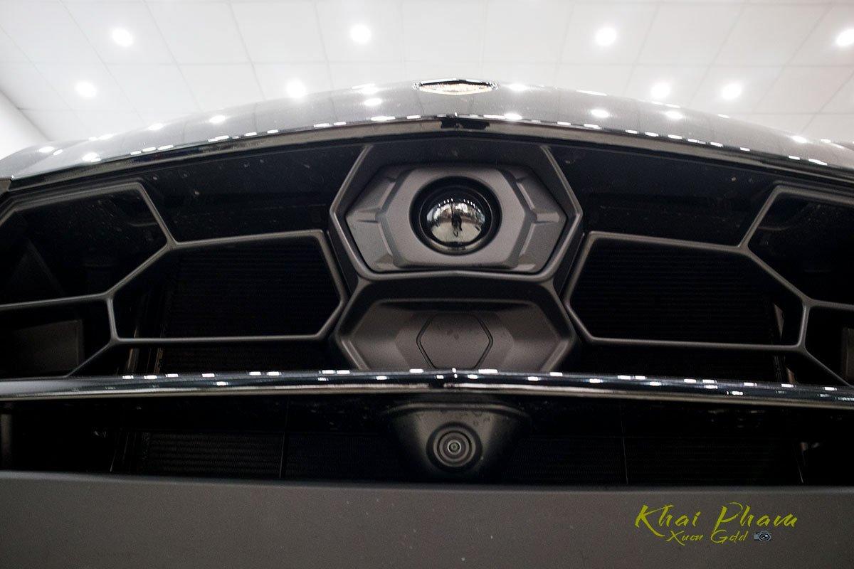 Ảnh chụp camera xe Lamborghini Urus Black Edition 2020 1