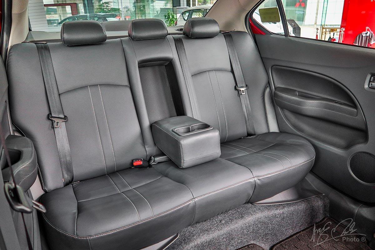 Tựa đầu hàng ghế sau trên Mitsubishi Attrage 2020 phiên bản MT sẽ đủ 3 vị trí như phiên bản CVT.