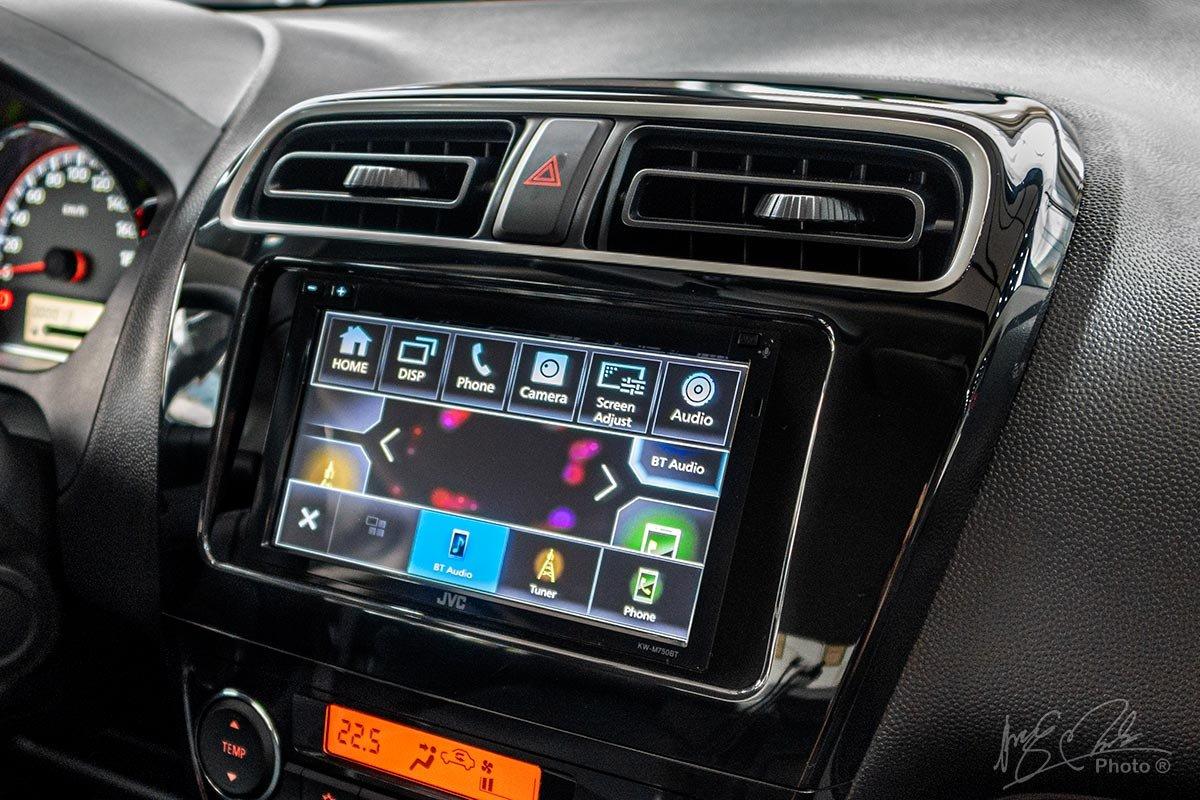 Màn hình giải trí 7 inch trên Mitsubishi Attrage 2020.