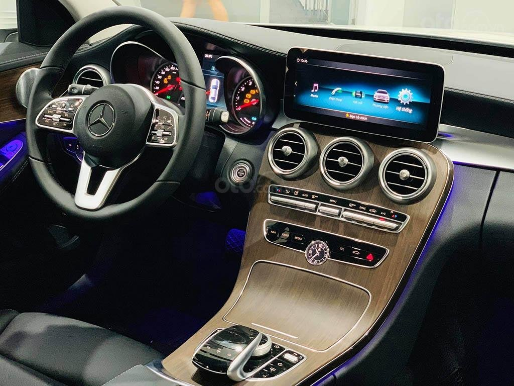 Thông số kỹ thuật xe Mercedes-Benz C200 Exclusive 2020 a5
