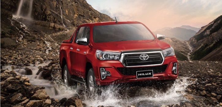 Ngoại thất xe Toyota Hilux 2020
