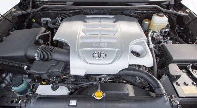 Động cơ xe Toyota Land Cruiser 2020