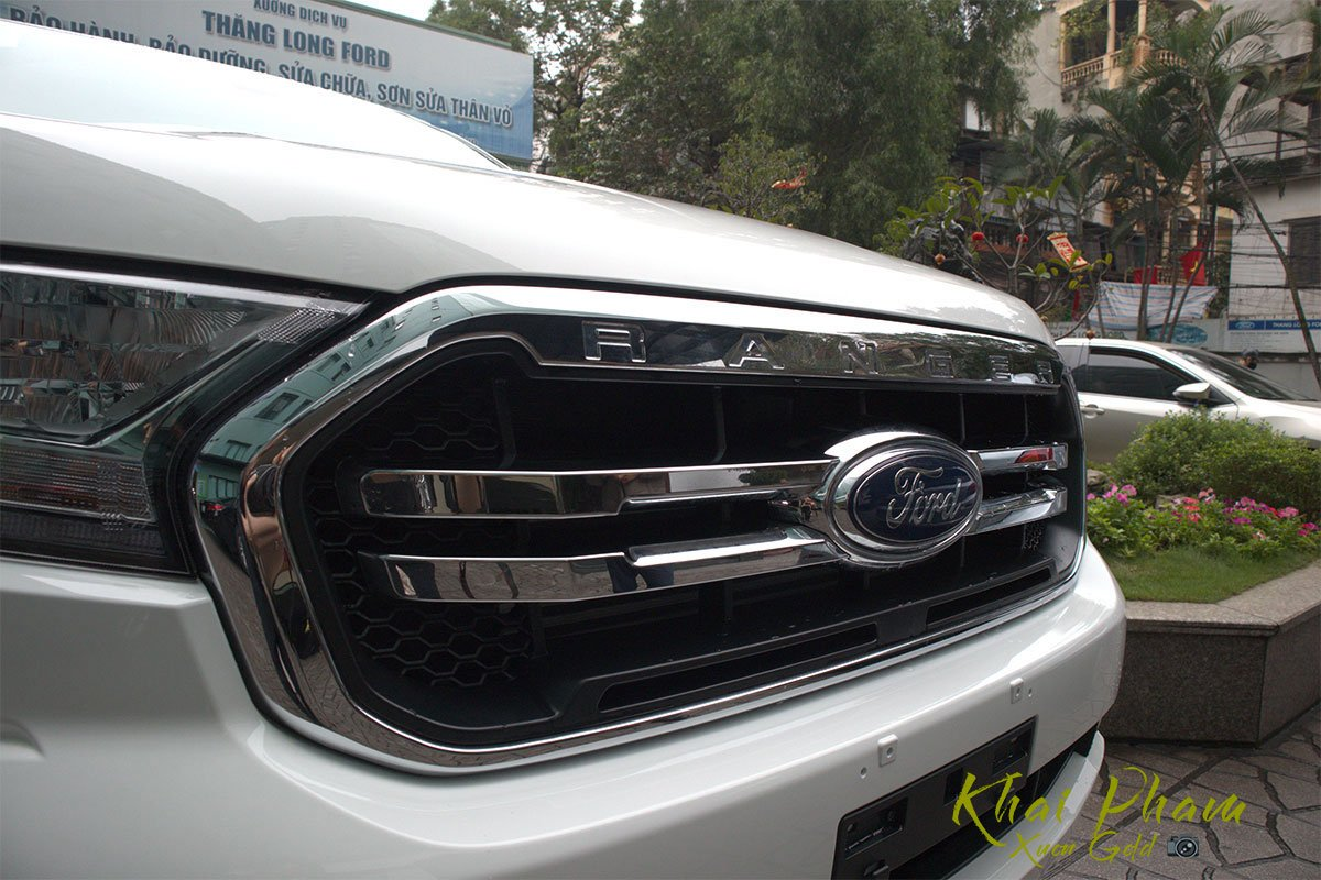 Ảnh chụp lưới tản nhiệt xe Ford Ranger Limited 2020