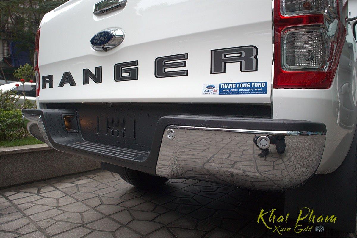 Ảnh chụp cản sau xe Ford Ranger Limited 2020