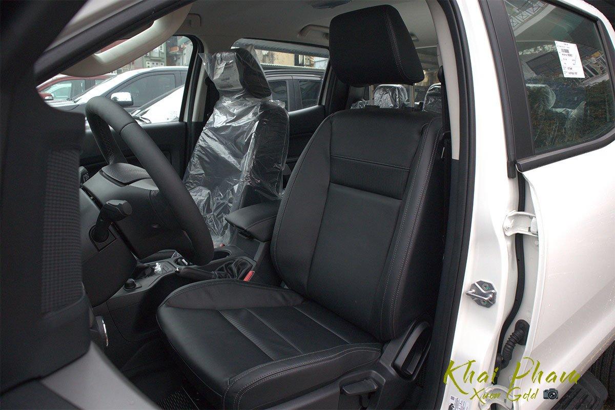 Ảnh chụp ghế trước xe Ford Ranger Limited 2020 1