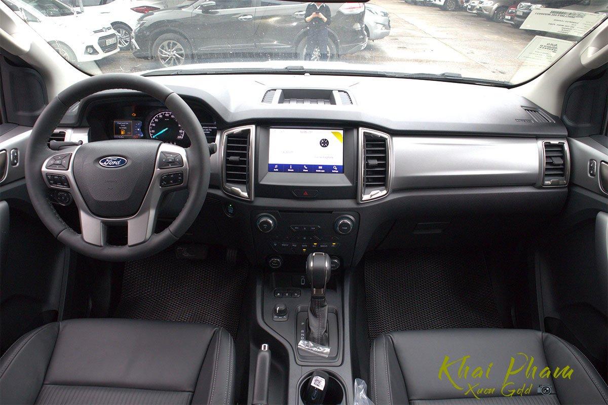 Ảnh chụp táp-lô xe Ford Ranger Limited 2020