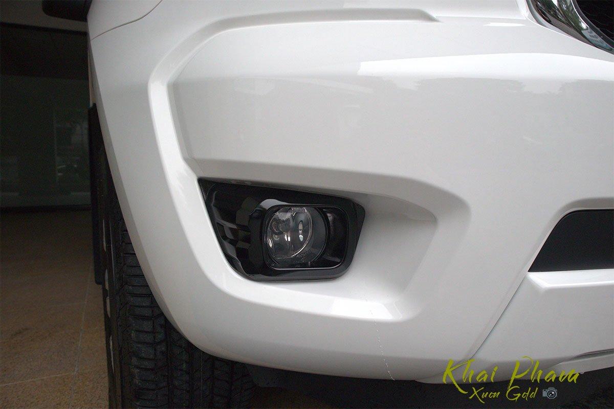 Ảnh chụp Đèn sường mù xe Ford Ranger Limited 2020 1