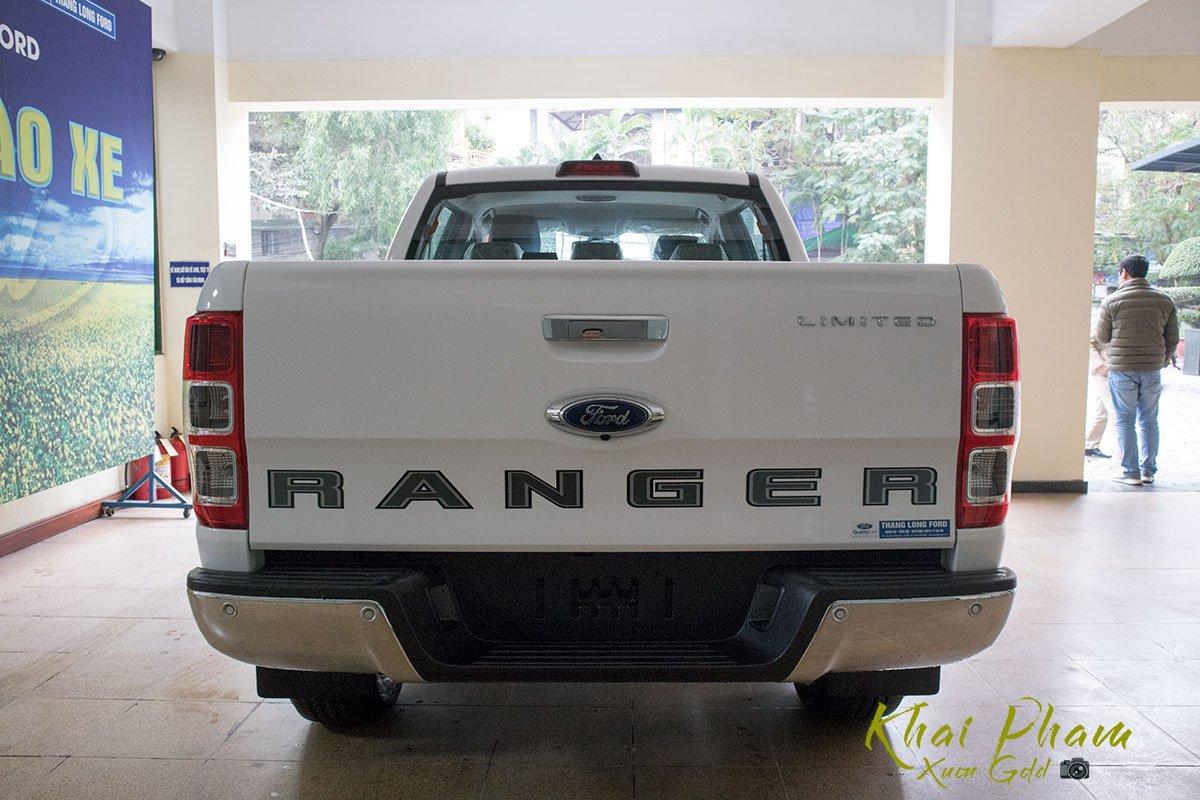 Ảnh chụp đuôi xe Ford Ranger Limited 2020